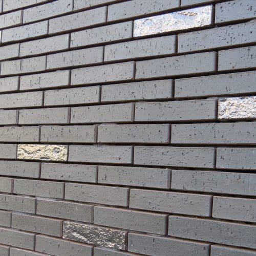 Briques et plaquettes émaillées La Covadonga 3500 O and 3504 R30