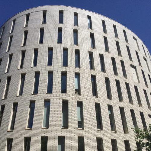 Ilôt Magellan - Nantes / Barto + Barto architectes / Oslo blanc perle plaquettes Röben