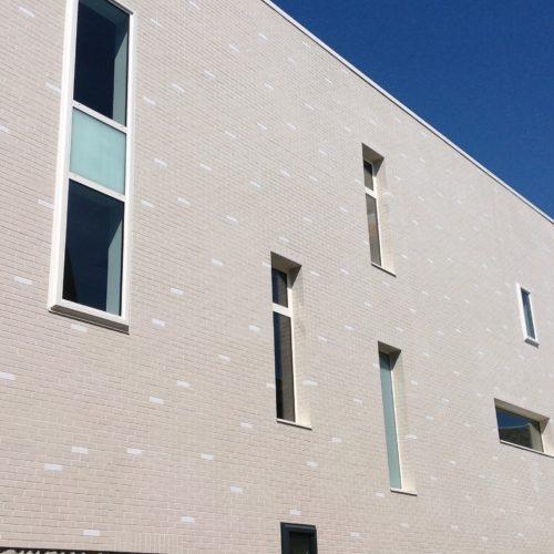 Salle de sport - Arras / Sites architecte / Röben Oslo - St Joris émaillé blanc