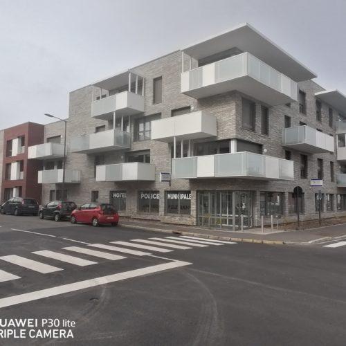 Hôtel de police - Liévin / Boyeldieu Dehaene / Röben Wiesmoor gris charbonné / rouge charbonné / banc charbonné