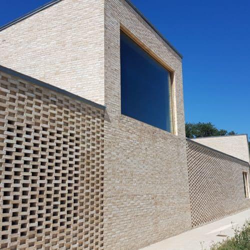 Centre culturel des Pierres blanches – Saint Jean de Boiseau / RAUM / Brique Petersen D71